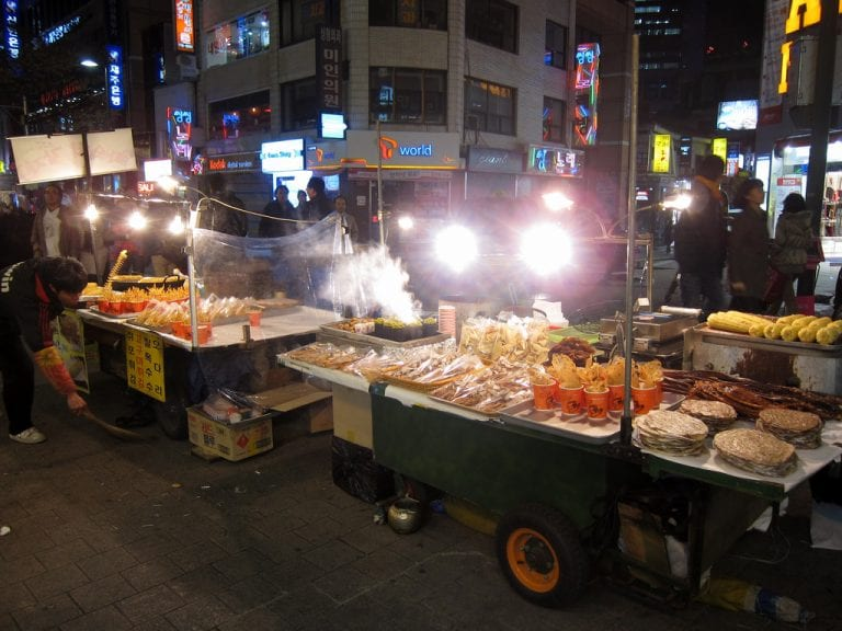 2016's Top 10 Street Food You Must Try in Myeongdong